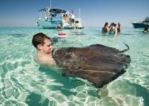 Kajmanské ostrovy: levné letenky - Grand Cayman od 15 990 Kč s odletem z Prahy včetně Silvestra