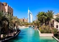 Letecký zájezd z Prahy do Dubaje s ubytováním v novém 5* hotelu se soukromou pláží, který se nachází přímo na proslulém ostrově The Palm Jumeirah od 15790 Kč