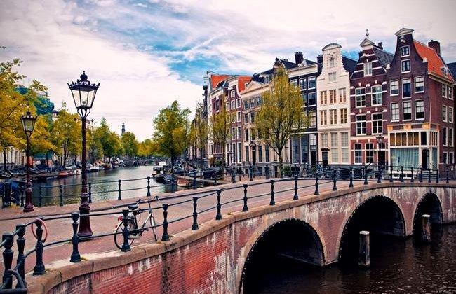 amsterdam1-650x450 (1).jpg