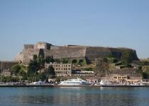 Řecko: levné letenky - ostrov Korfu nebo Athény s odletem z Katowic již od 1 423 Kč