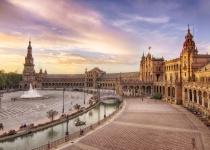 Španělsko: levné letenky - Barcelona, Sevilla, Gran Canaria, Madrid s odletem z Krakowa již od 1 509 Kč
