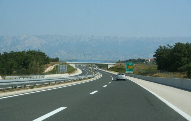 Highway_in_Croatia.jpg