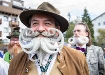 Nejbláznivější festivaly ve švýcarských Alpách