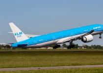 S aeroliniemi KLM z Amsterdamu do Quita