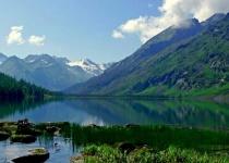 Jezero, které v průběhu roku mění barvu - Bajkal