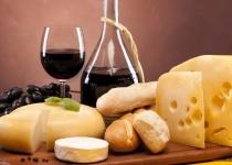 Vinařský pobyt na Jižní Moravě - Hlohovec pro 2 osoby s polopenzí od 3 390 Kč