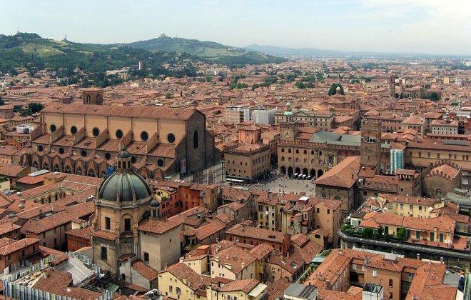963px-Bologna-SanPetronioPiazzaMaggiore1.jpg